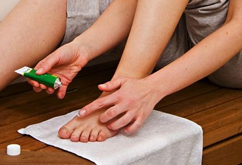 лечение трещин на пальцах